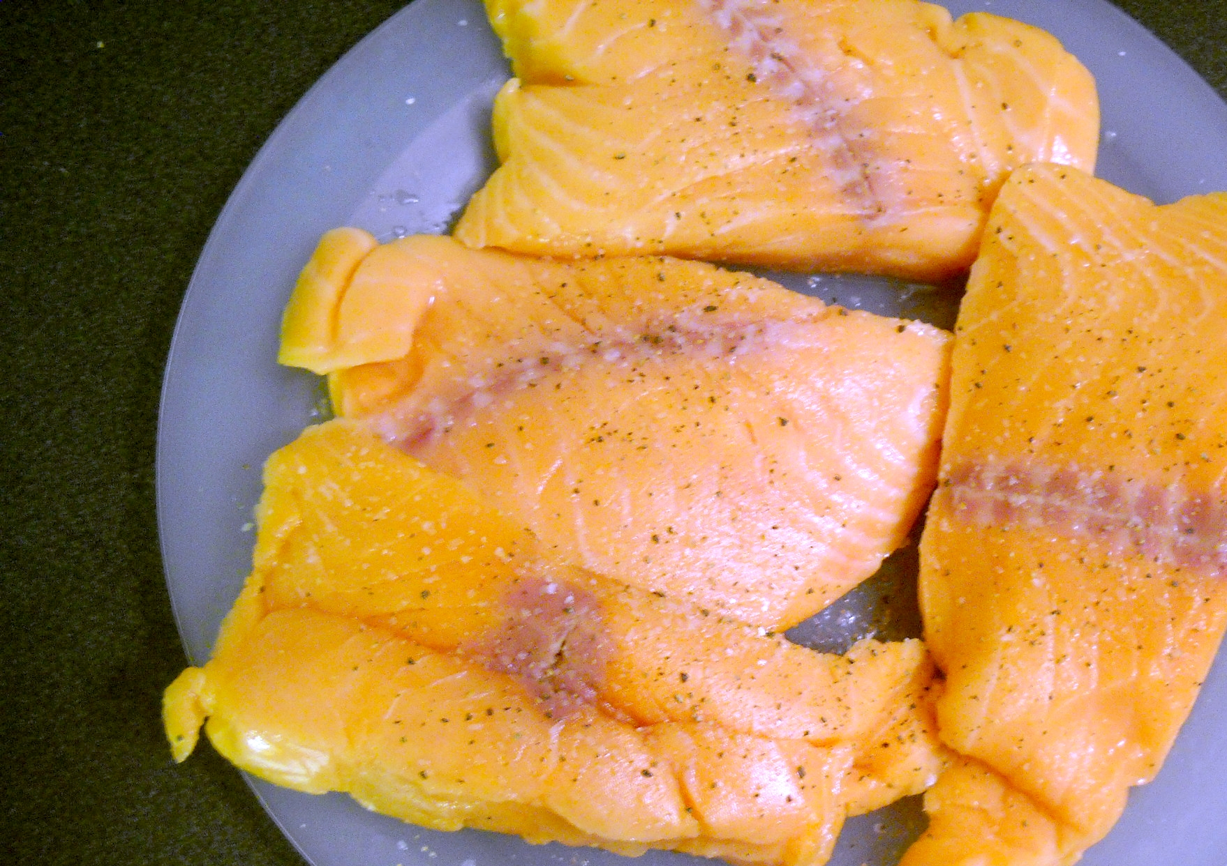 Flavorful easy salmon baked in foil